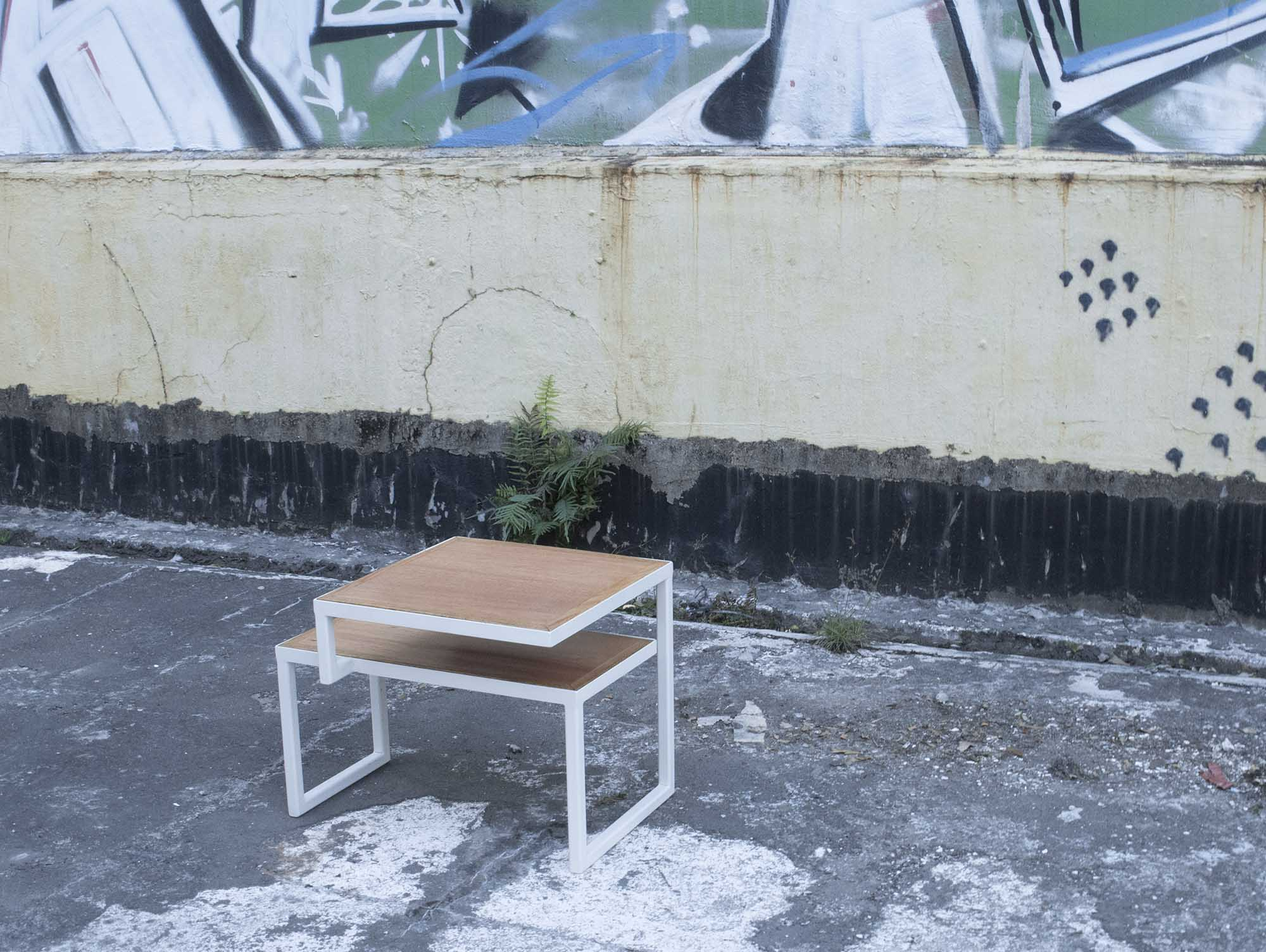 hong kong custom furniture tandem table with wood and white steel hip scene